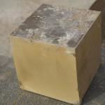 Латунный кубик, порезанный на гидрорезе